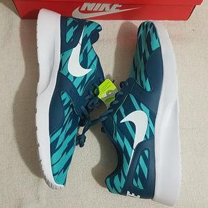 NEW Nike | Kaishi 2.0 Shoes Teal white Retro
